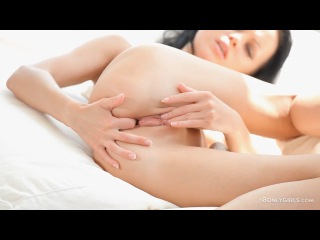 [18OnlyGirls.com] Cumming Alone (720p HD)